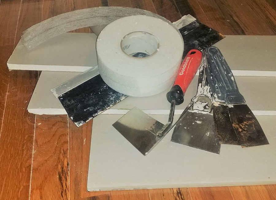 Narzędzia niezbędne do suchego montażu ściany działowej / Ścianki działowe